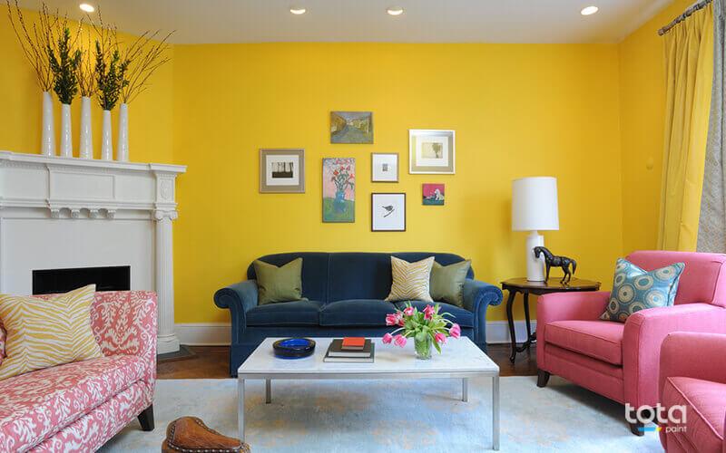 Sơn tường màu vàng tạo sự nổi bật và ấm cúng