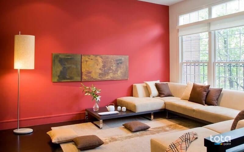 Sơn tường màu đỏ khi kết hợp với các màu lạnh sẽ tạo lên một tổng thể rất bắt mắt