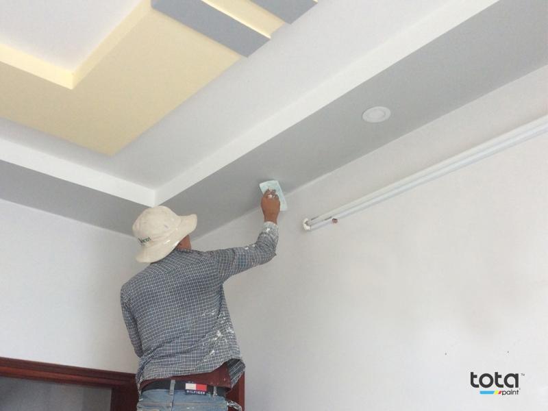 thợ sơn nhà